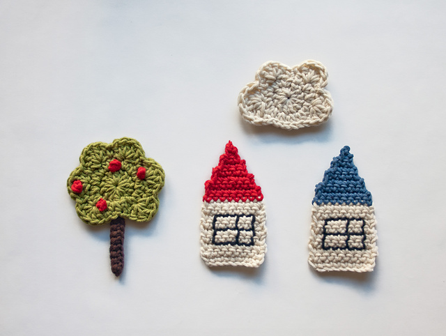 House appliques by Caronlina Guzman, paid pattern.