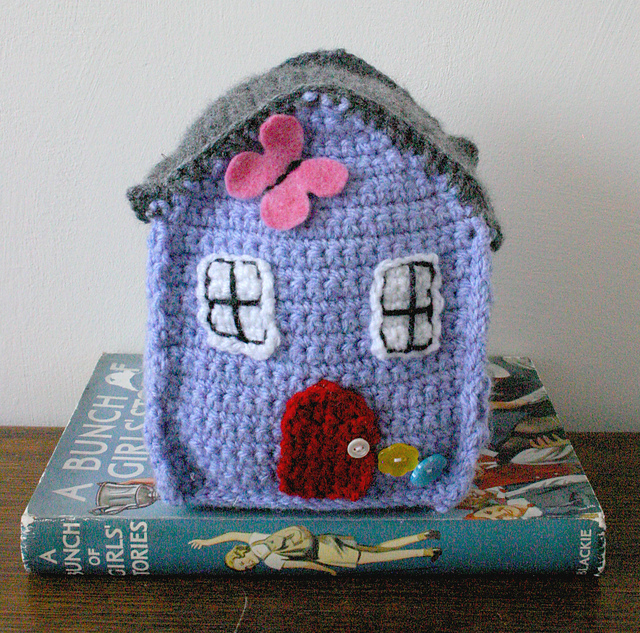 Another fun house by Little Doolally, paid pattern.
