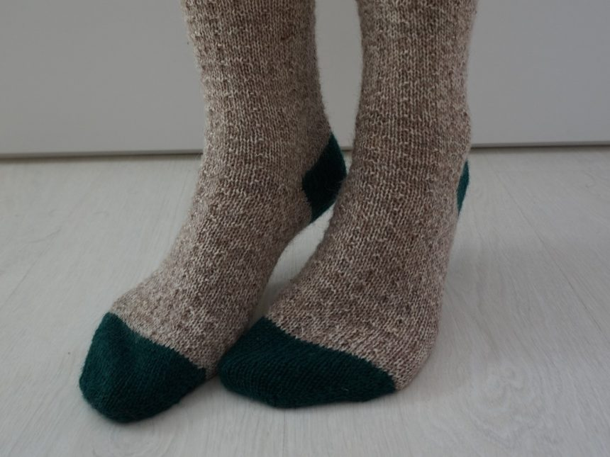 simple toe up sock knitting