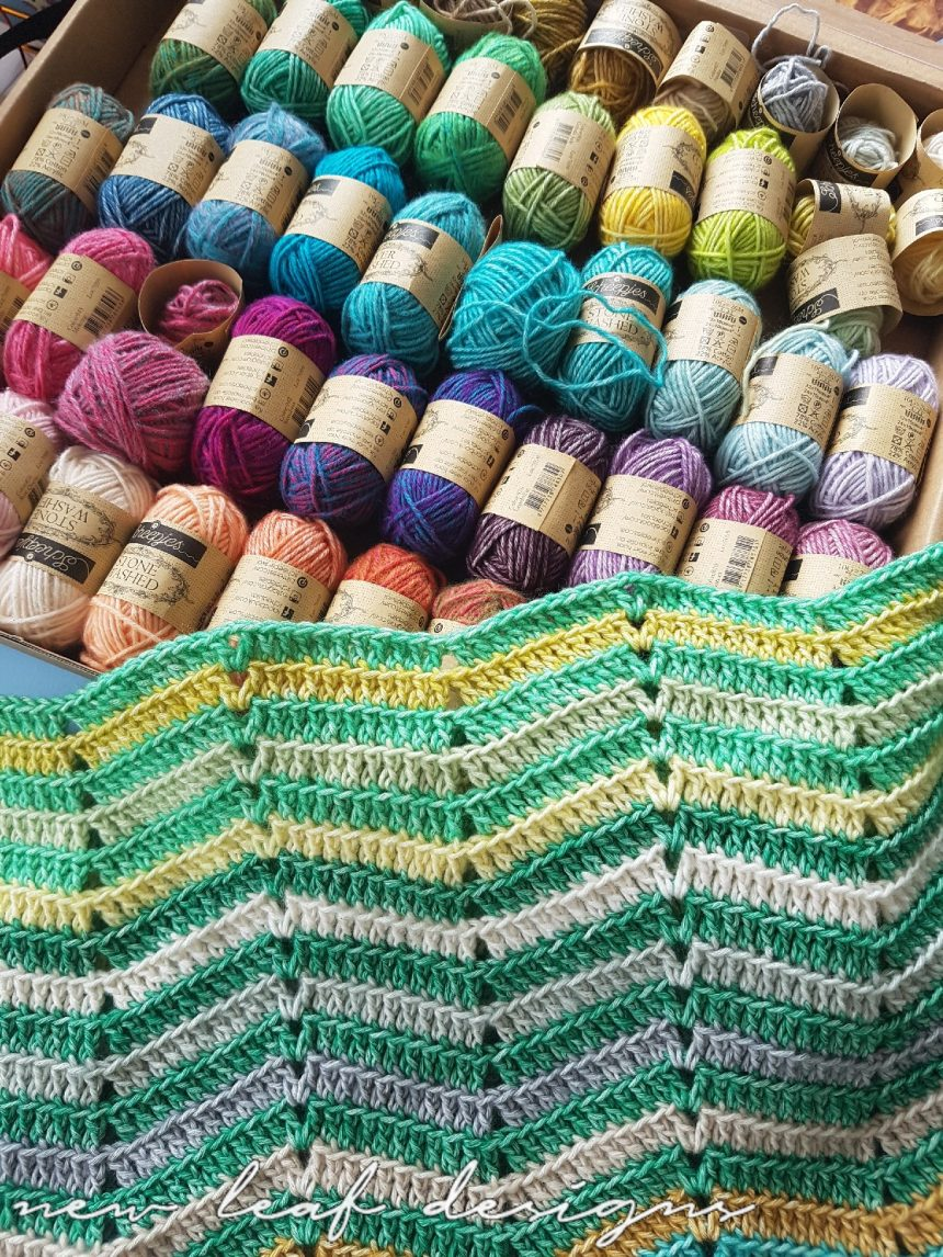 Chevrainbow crochet blanket free pattern