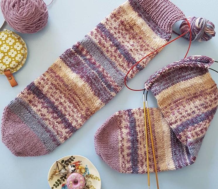 Simple Toe Up Socks
